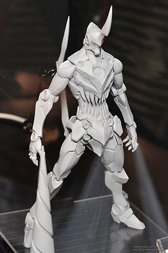 Riobot Lazengann Action Figure with superb design