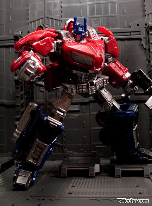 Transformers Optimus Prime Cybertronian Mode Photoshoot after Transformers 3 Movie
